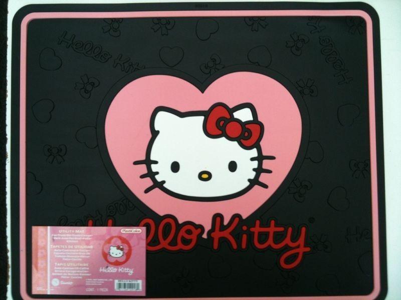 hello kitty car mats in  Motors