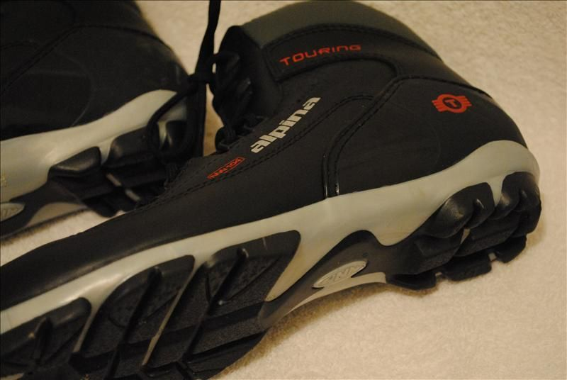 Alpina Touring NNN 104 Cross Country Ski Boots 10 5 Womens 7 5 Mens