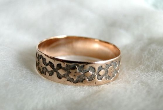 Victorian 10K 10KT ROSE GOLD Decorated WEDDING BAND RING 1 5 g Sz 8 75