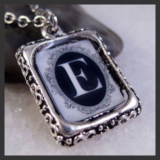 Initial Letter E Vintage Silver Square Setting Charm Pendant Necklace