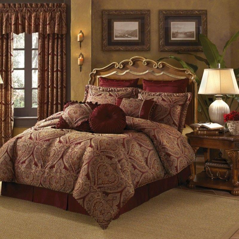 New Castle Croscill Burgundy Gold Paisley Queen Comforter Set