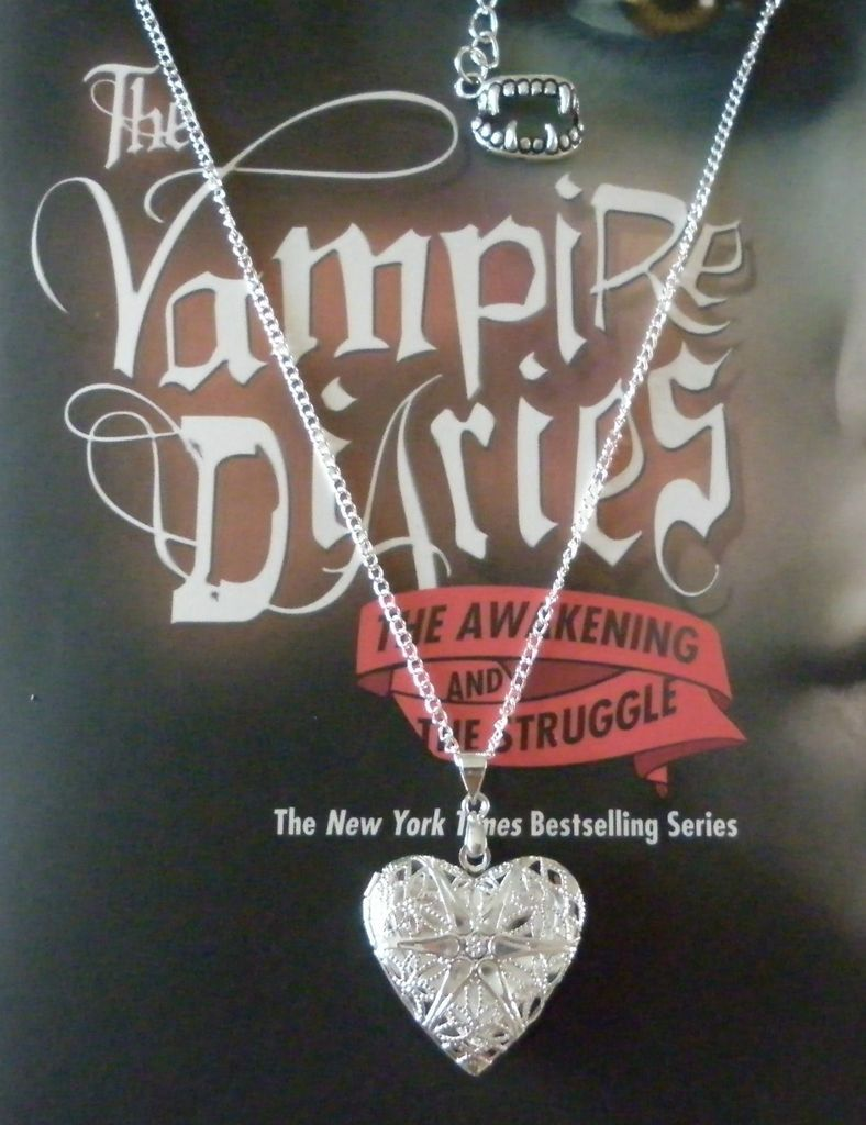 THE VAMPIRE DIARIES CAROLINES LOCKET NECKLACE, VERVAIN FILLED