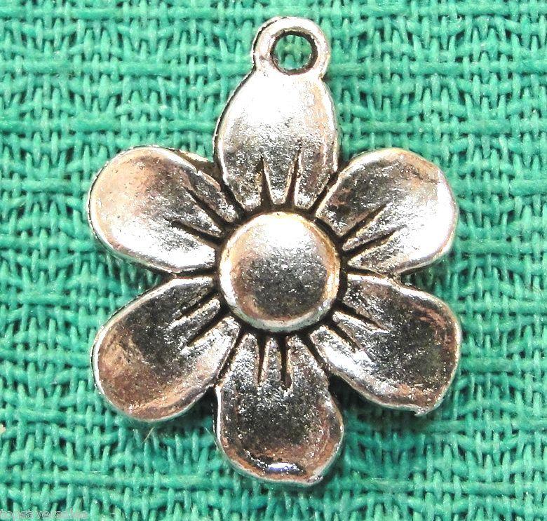 20 Tibetan Silver Daisy FLOWER Charms Pendants Tibet Jewelry Findings
