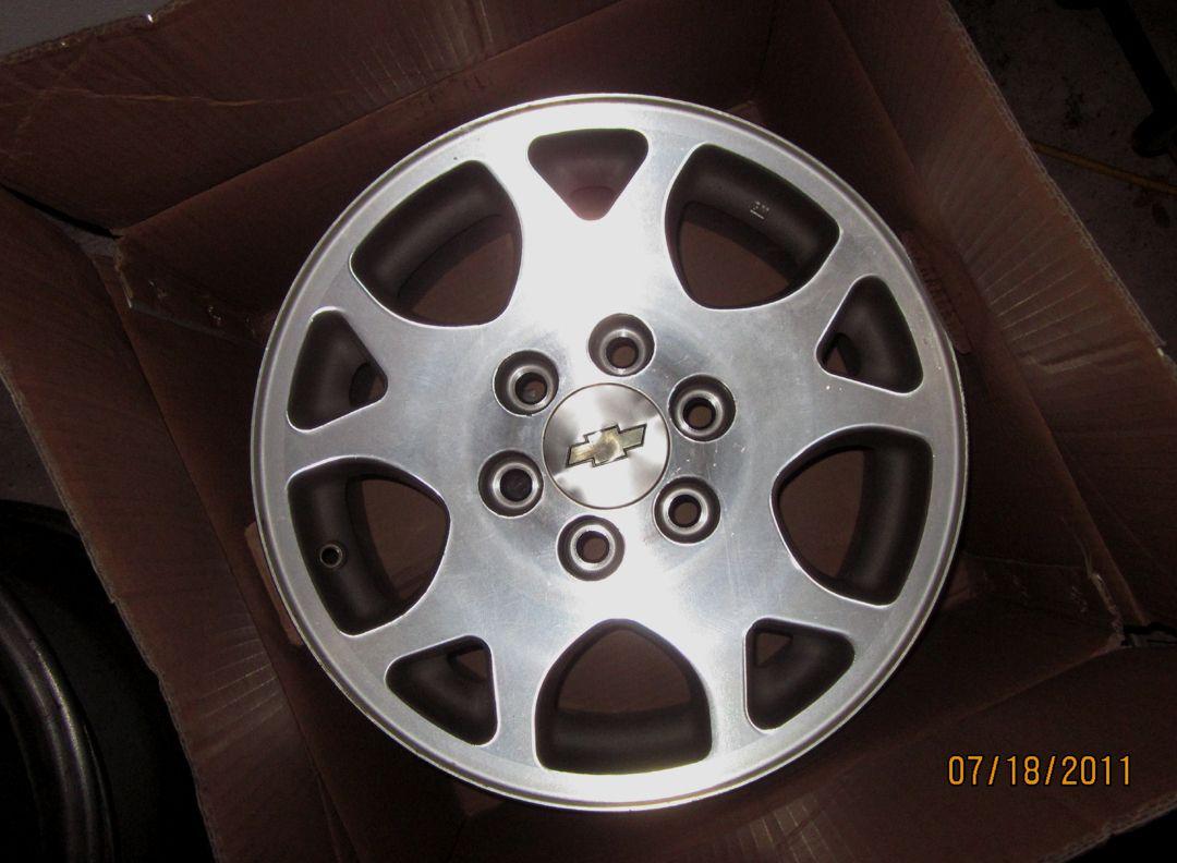 Tahoe Silverado Z71 17 OEM Factory Alloy Wheels Rims 01 02 03 04 05 06