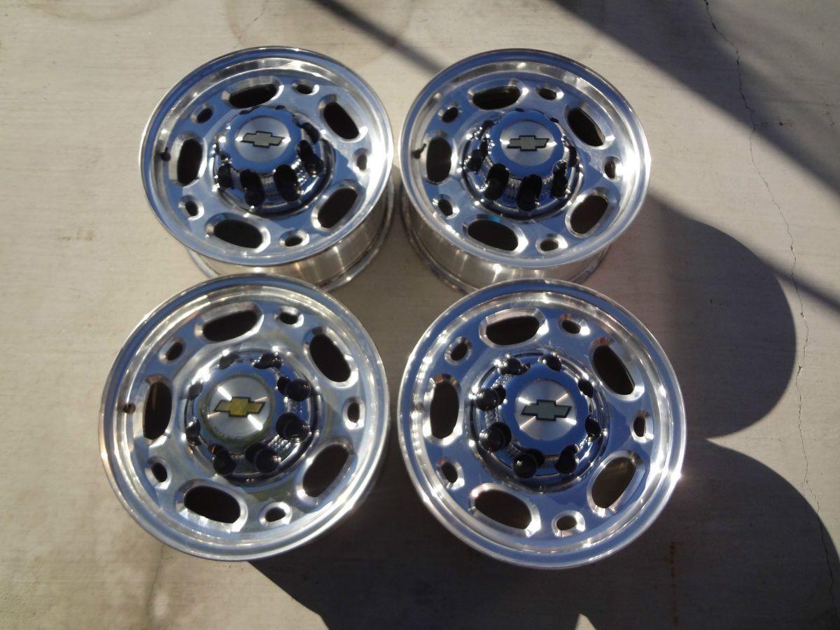 LUG WHEELS 01 10 CHEVY GMC TRUCKS CAPS LUG NUTS Silverado Sierra